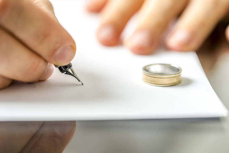 image of contract Gillbanks Family Law